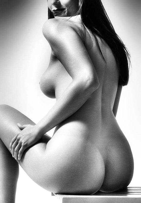 zvezdi-golie-eroticheskie-foto
